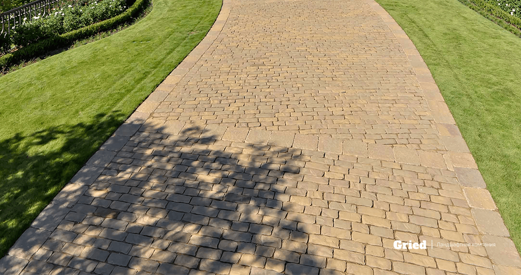 садовая дорожка из ганитной брусчатки